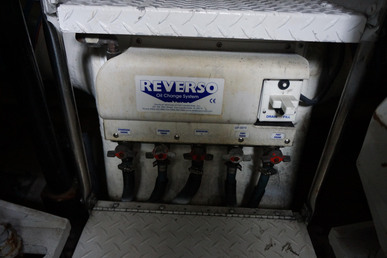 Formula 48 Yacht - Oil Changer system