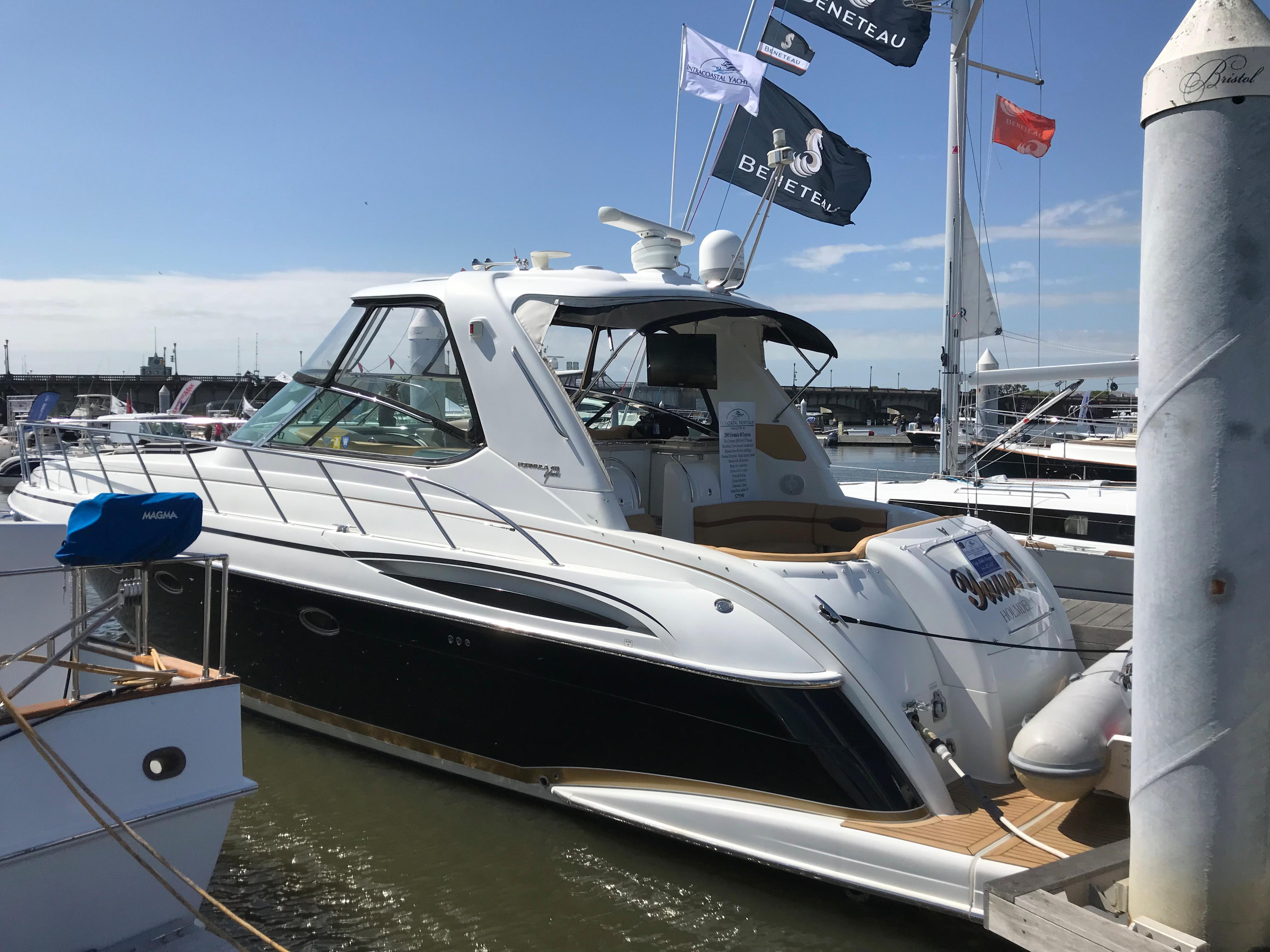 Formula 48 Yacht - Dockside port side