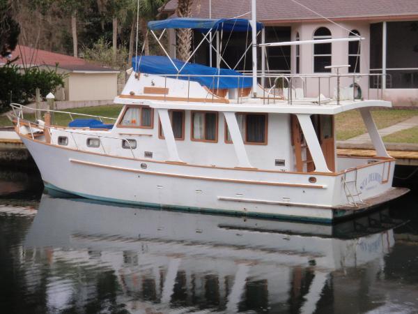 36' Marine Trader 1982 Europa
