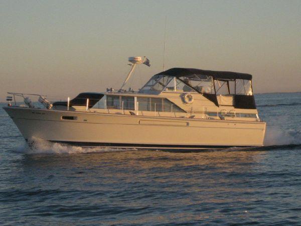 Chris-Craft 42 Commander Motor Yachts. Listing Number: M-3596157