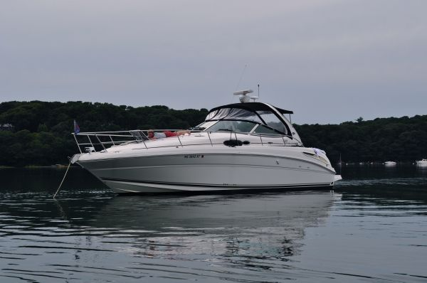 Sea Ray 360 Sundancer Motor Yachts. Listing Number: M-3546176