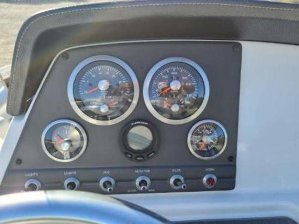 2021 Tahoe boat for sale, model of the boat is 2150 CC & Image # 9 of 10