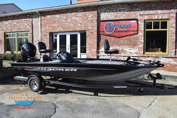 2020 Tracker Boats boat for sale, model of the boat is Pro Team™ 195 TXW & Image # 1 of 50