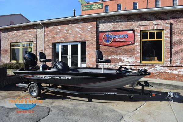 2020 Tracker Boats boat for sale, model of the boat is Pro Team™ 195 TXW & Image # 2 of 50