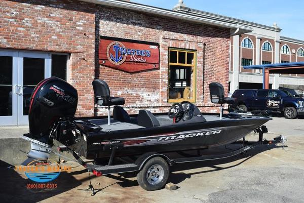2020 Tracker Boats boat for sale, model of the boat is Pro Team™ 195 TXW & Image # 3 of 50