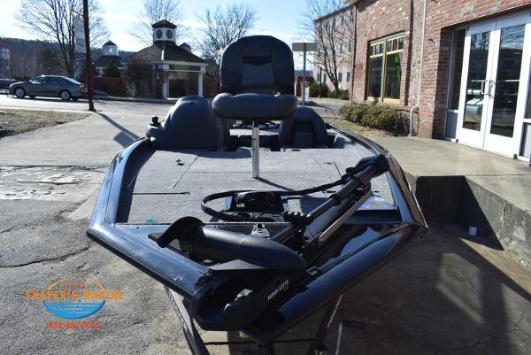 2020 Tracker Boats boat for sale, model of the boat is Pro Team™ 195 TXW & Image # 10 of 50