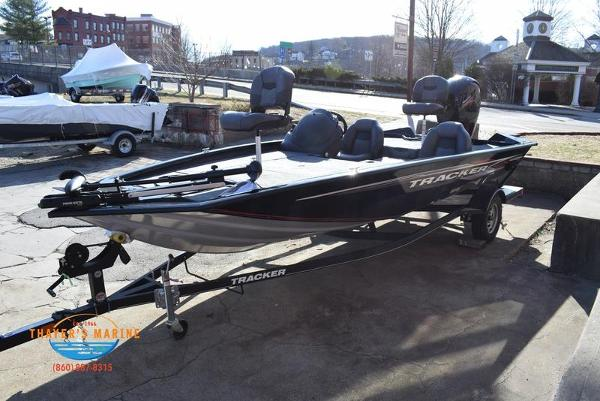 2020 Tracker Boats boat for sale, model of the boat is Pro Team™ 195 TXW & Image # 13 of 50