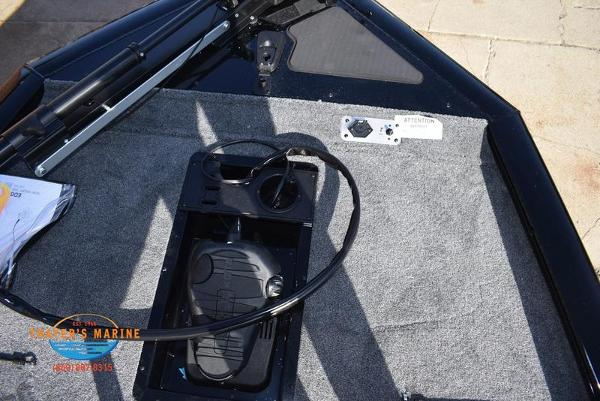 2020 Tracker Boats boat for sale, model of the boat is Pro Team™ 195 TXW & Image # 14 of 50