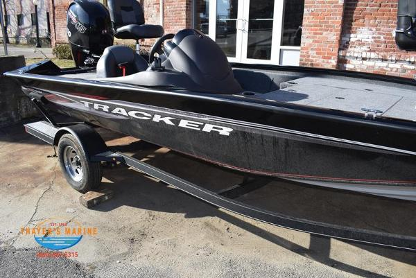 2020 Tracker Boats boat for sale, model of the boat is Pro Team™ 195 TXW & Image # 39 of 50