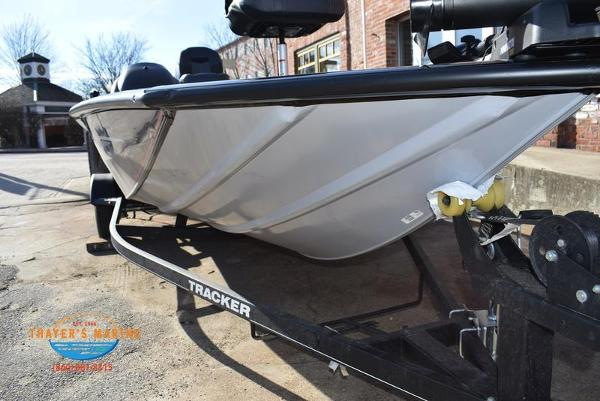 2020 Tracker Boats boat for sale, model of the boat is Pro Team™ 195 TXW & Image # 48 of 50