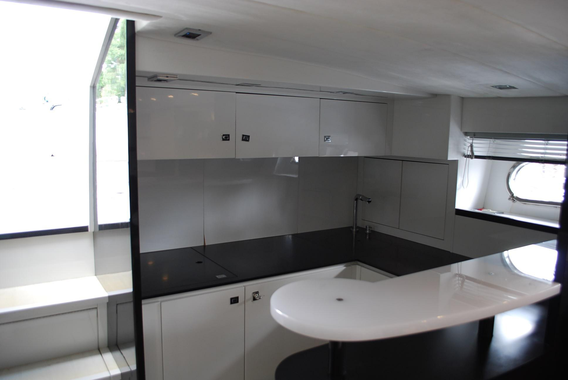 2010 Otam 45 - Galley