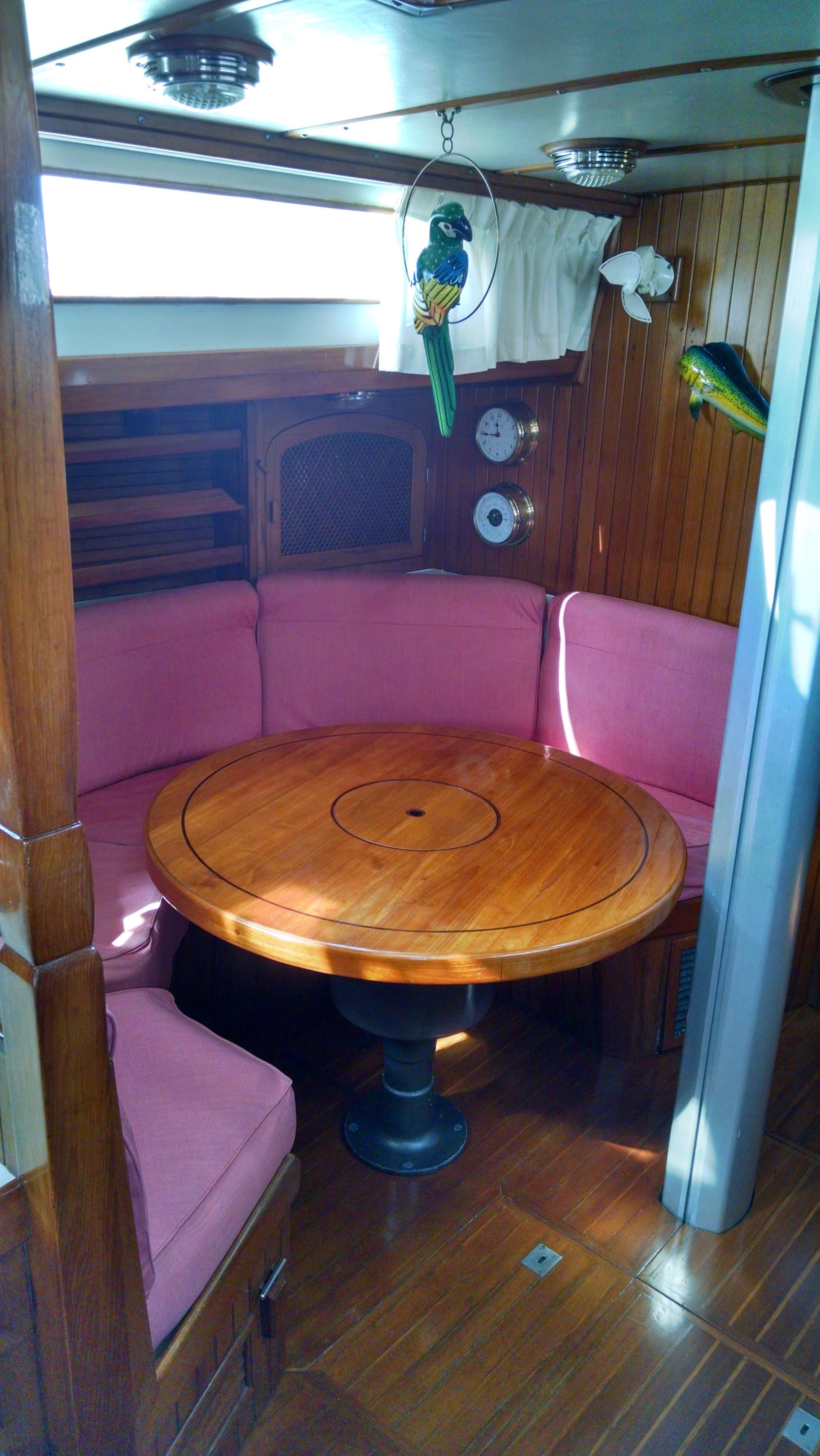 Salon Table