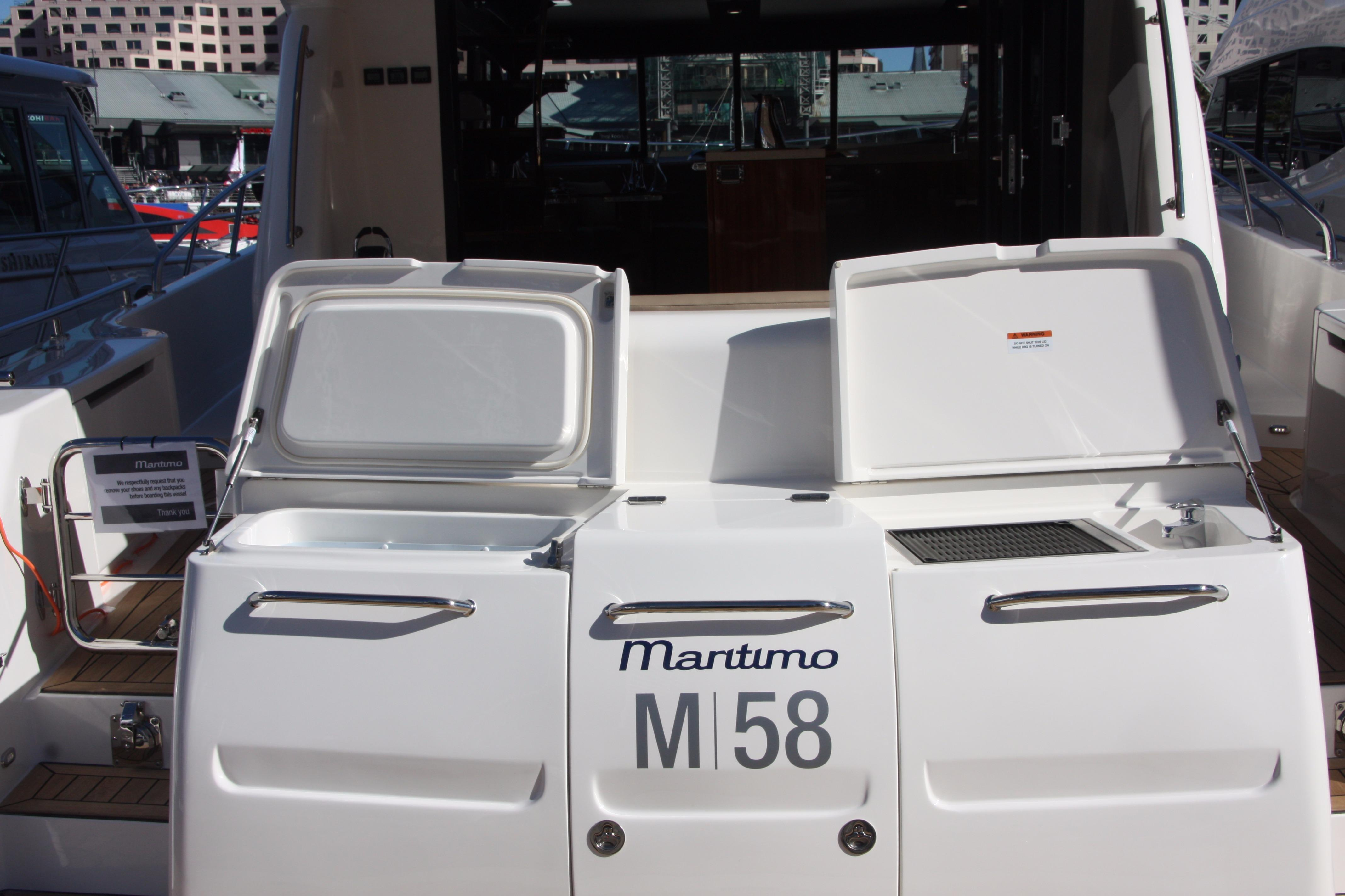View of Transom Cooler and Grill