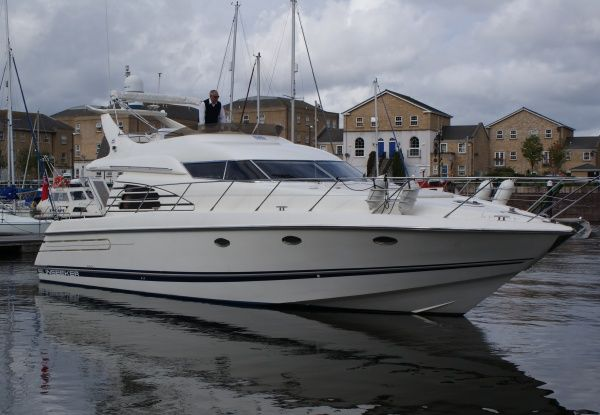 1996 Sunseeker Manhattan 46 The Manhattan 46 offers the full ...