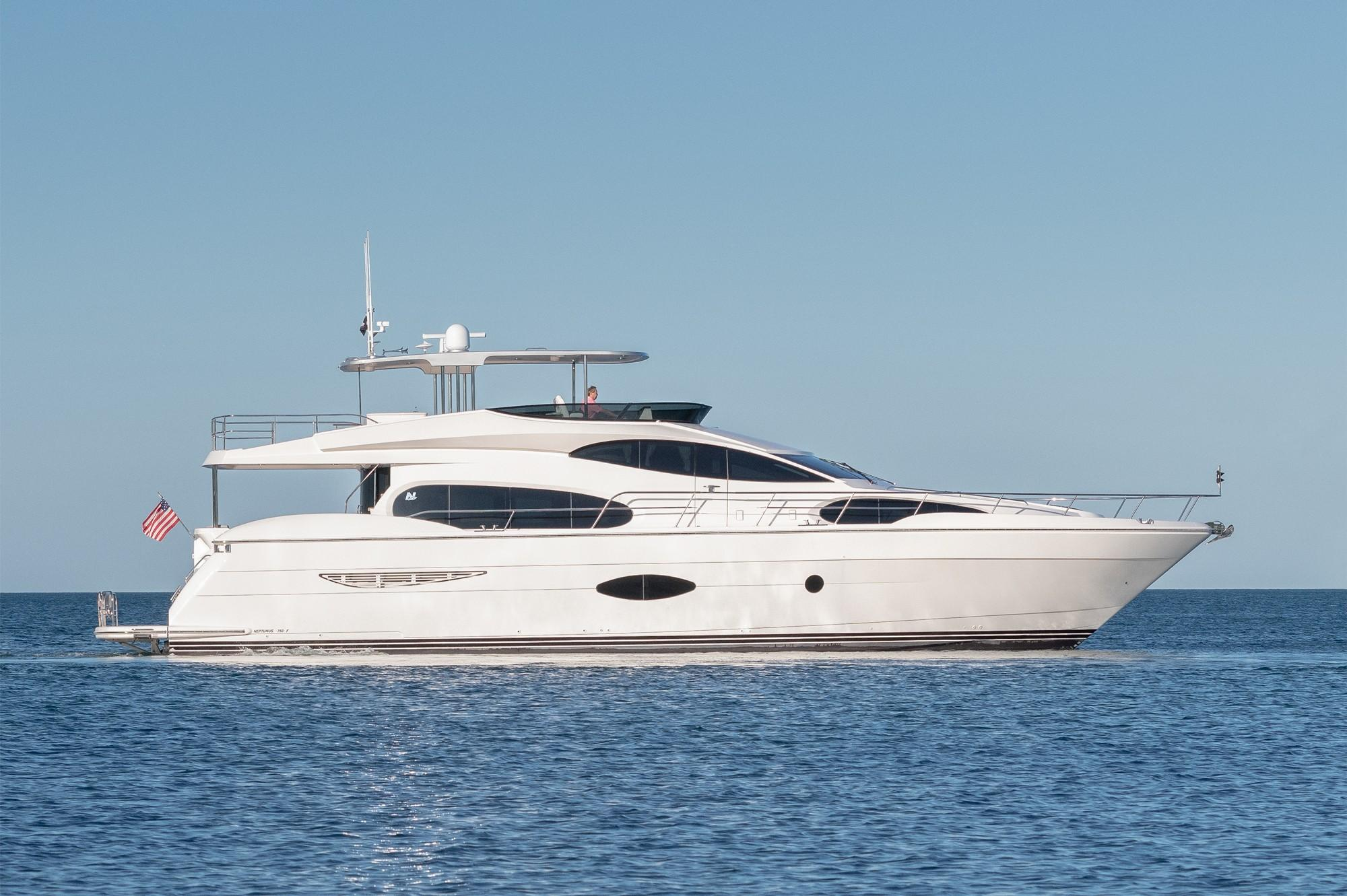 75 ft Neptunus 750 Flybridge