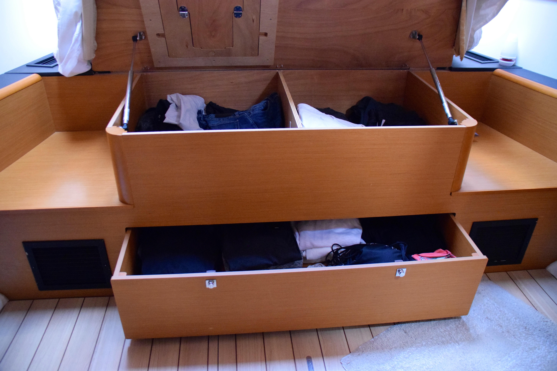 Storage under bed Master