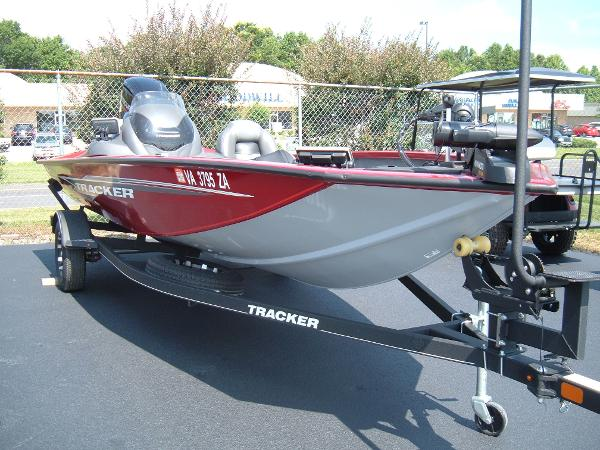 2020 Tracker Boats boat for sale, model of the boat is Pro Team 175 TXW & Image # 1 of 1