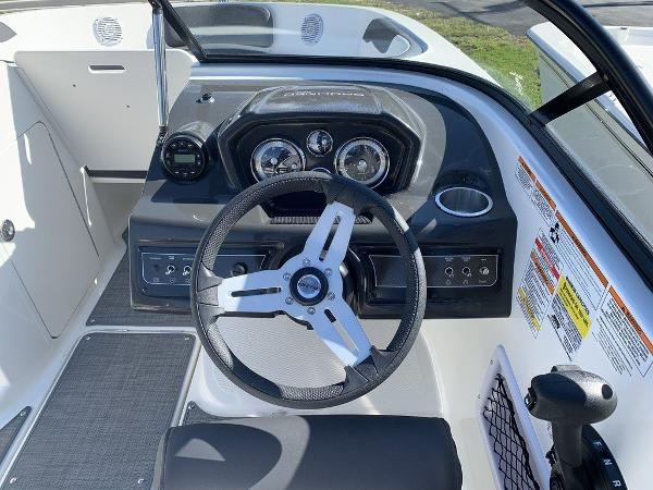 2021 Bayliner boat for sale, model of the boat is VR5 OB & Image # 3 of 10