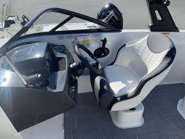 2021 Bayliner boat for sale, model of the boat is VR5 OB & Image # 8 of 10