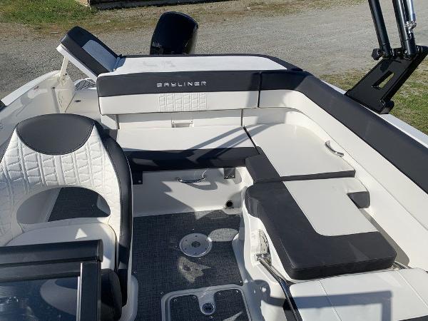 2021 Bayliner boat for sale, model of the boat is VR5 OB & Image # 9 of 10