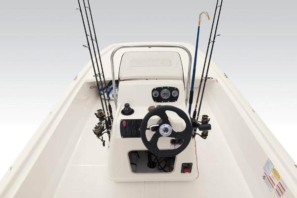 2020 Mako boat for sale, model of the boat is Pro Skiff 19 CC & Image # 27 of 48
