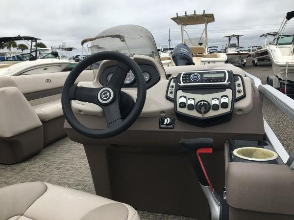 2018 Princecraft boat for sale, model of the boat is Vectra 23 & Image # 6 of 10