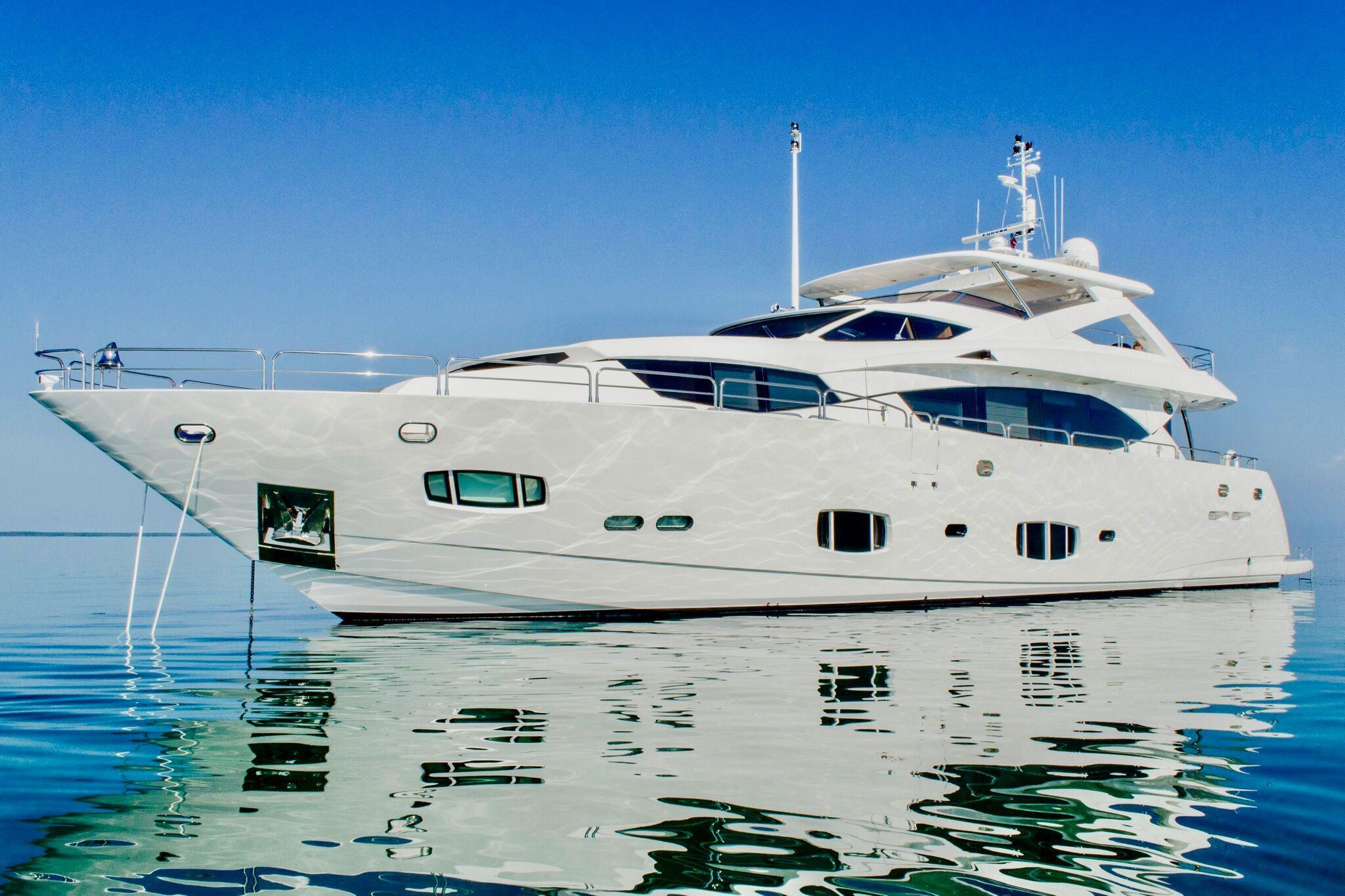 98 ft Sunseeker 30 Metre Yacht