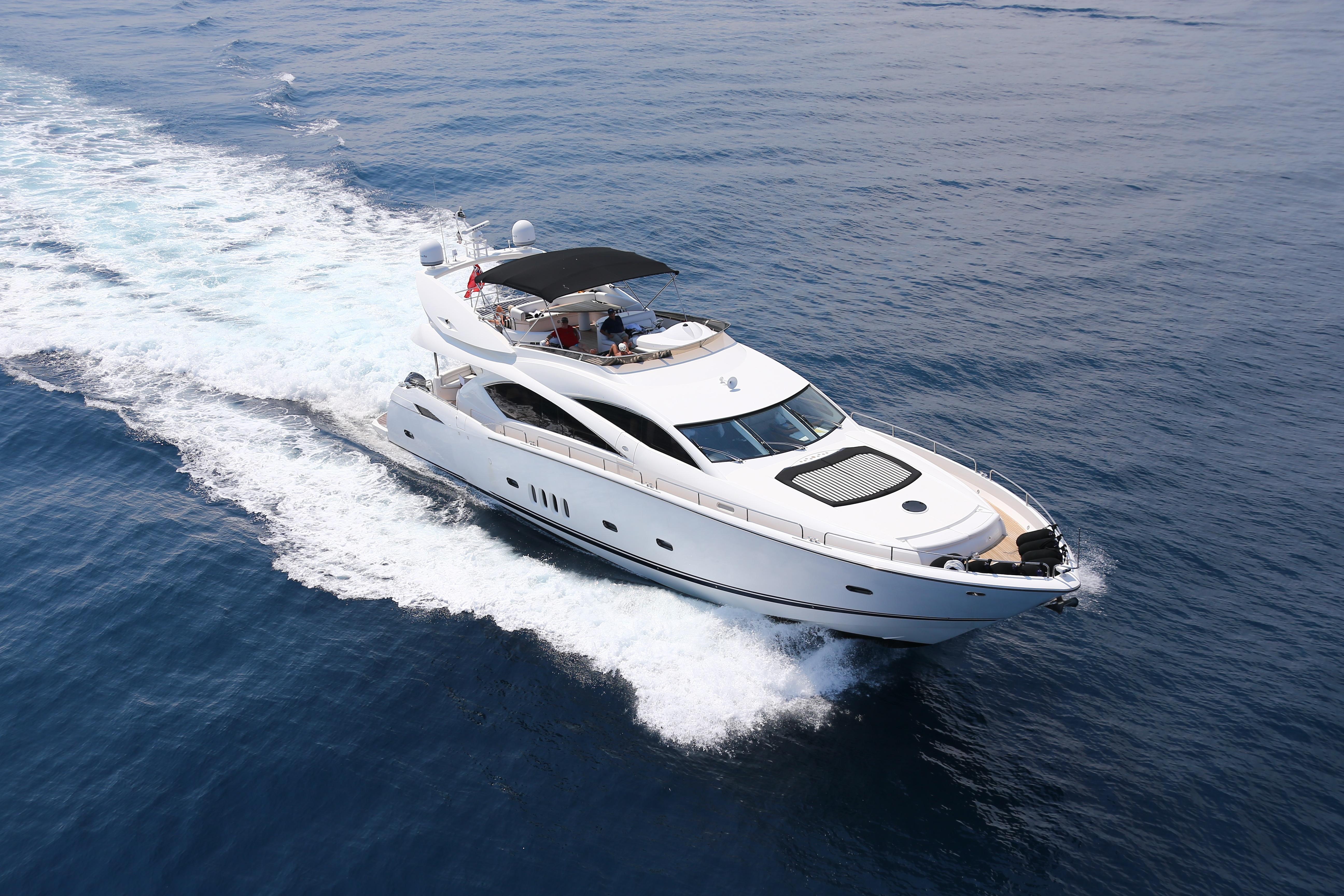 87.24 ft Sunseeker 82 Yacht