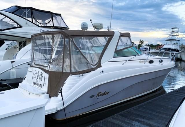 Rinker 342 Fiesta Vee - Photo: #2