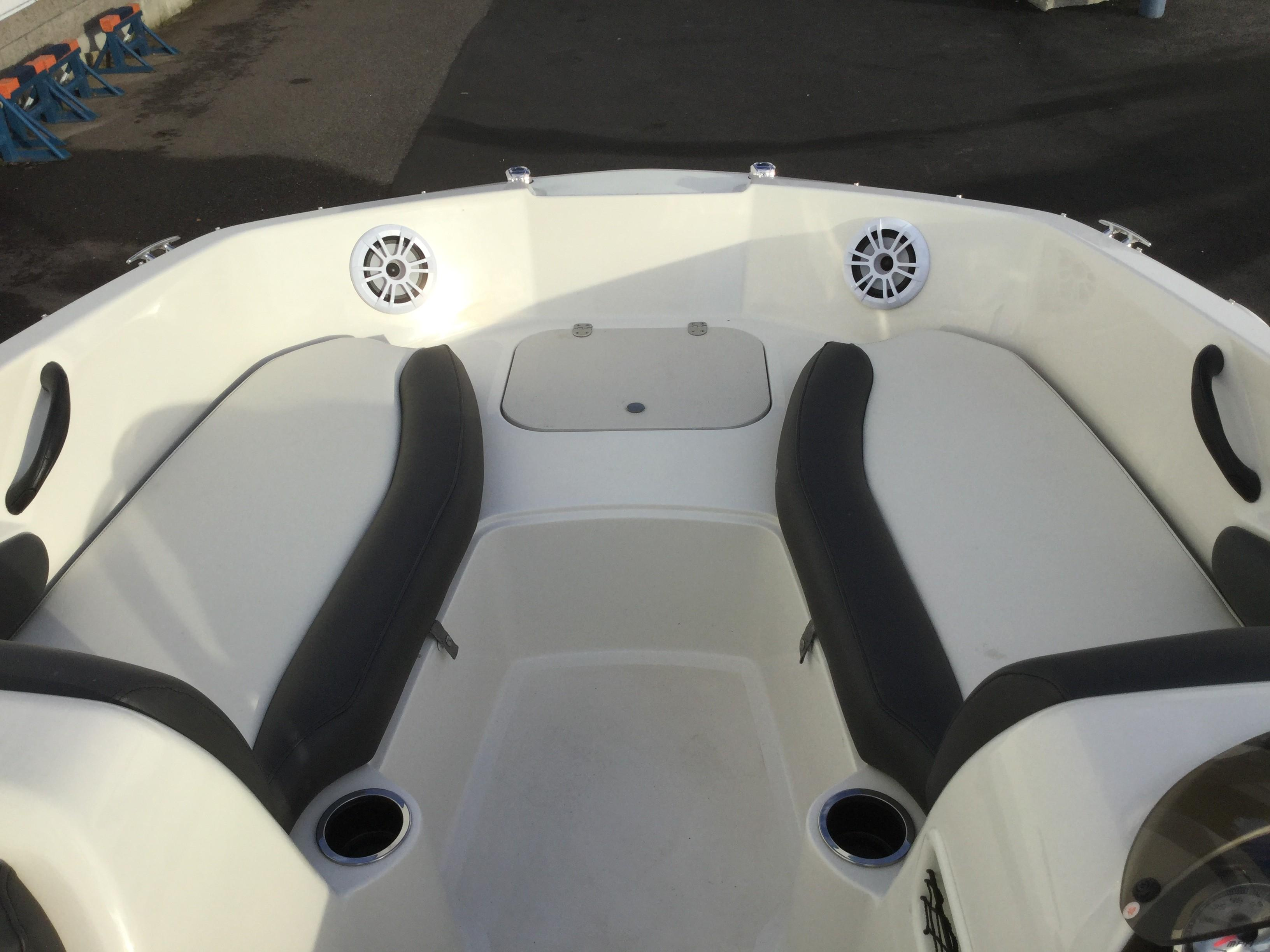 2019 Stingray boat for sale, model of the boat is 182 SC & Image # 2 of 7