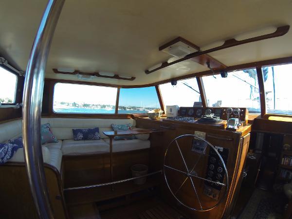 Frans Maas Expedition Yacht Broker Broker