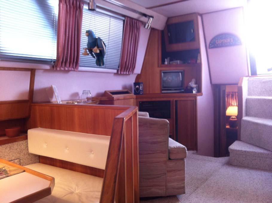 Sea Ray440 Aft Cabin