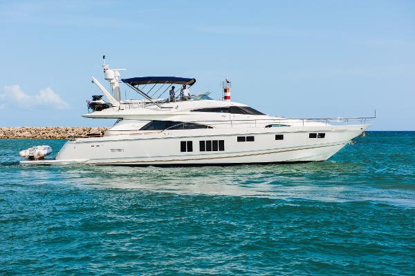2013 78' Fairline Squadron 78 Custom
