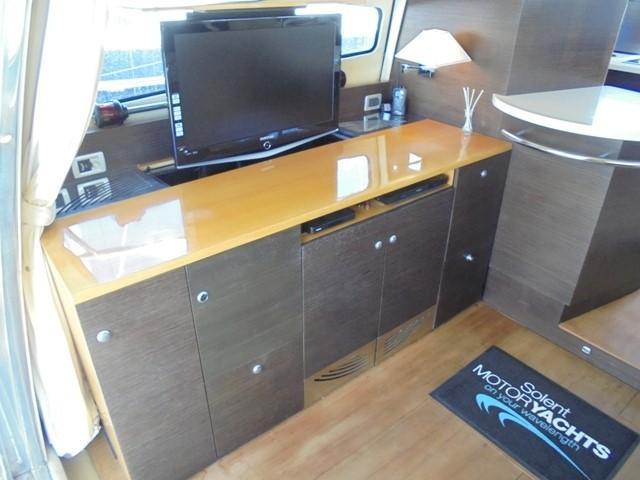 Cranchi Atlantique 50 - Saloon port 2