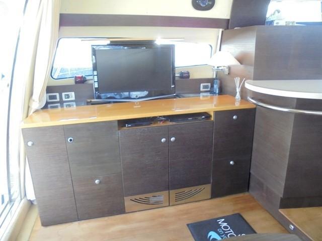 Cranchi Atlantique 50 - Saloon port 3