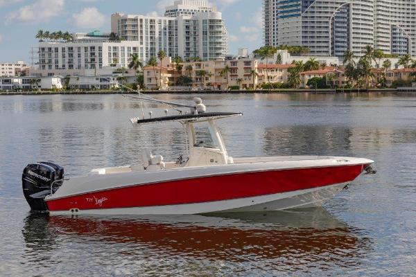 2010 28' Boston Whaler OUTRAGE