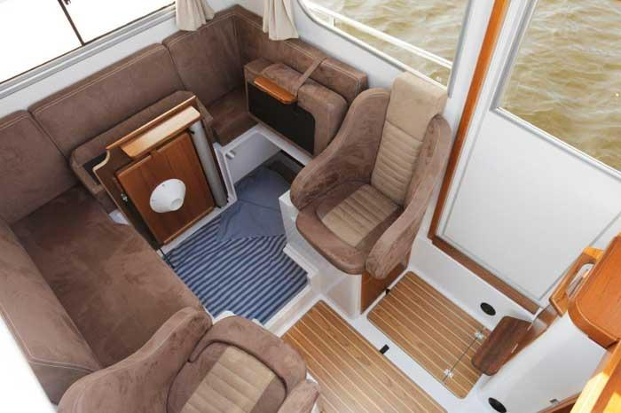 Sargo 25 under saloon double berth