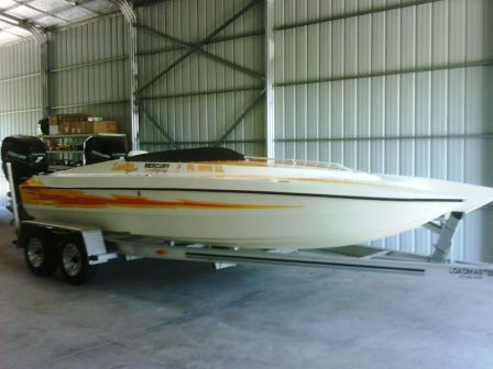 2001 Lightning Powerboats 21
