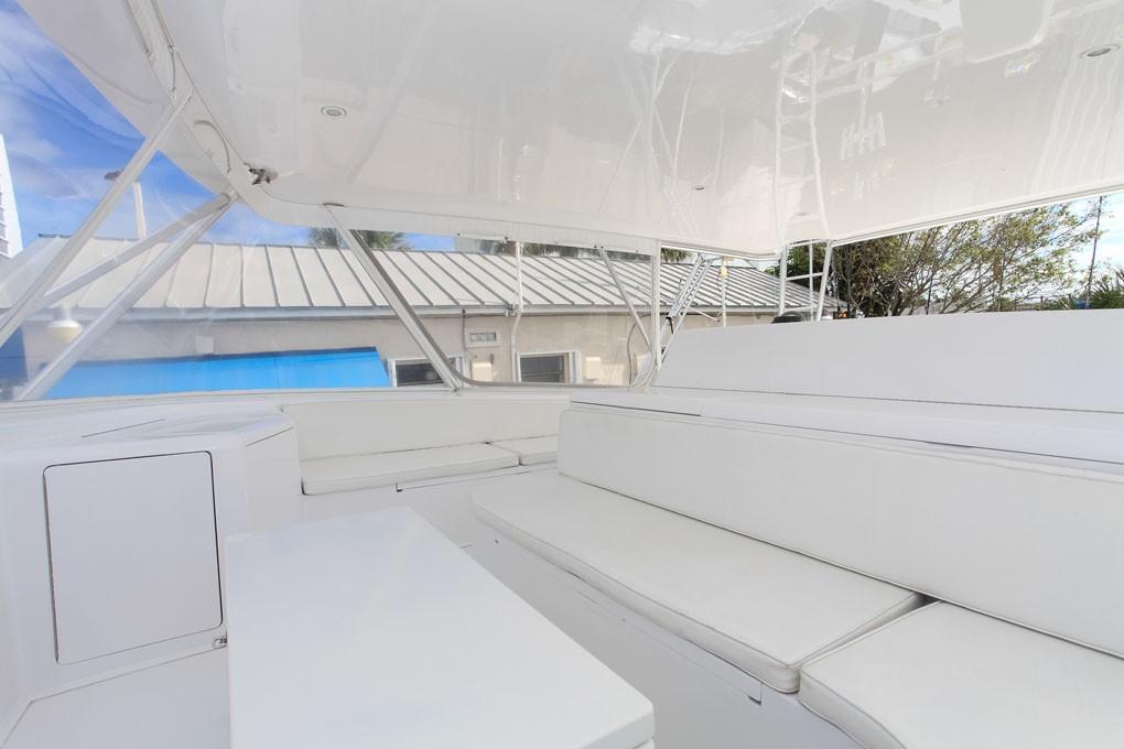 65 Viking Convertible Flybridge Seating