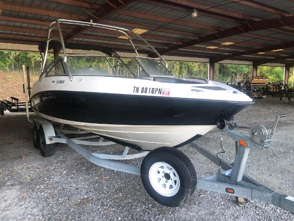 2005 Yamaha boat for sale, model of the boat is AR 230 & Image # 9 of 15