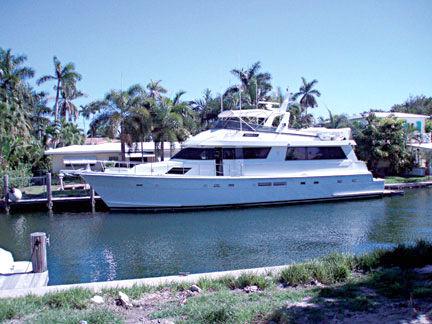 70' Hatteras Cockpit Motor Yacht