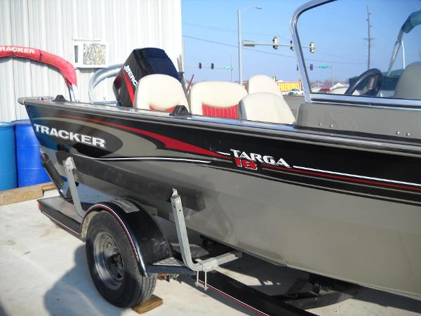 2004 Tracker Boats boat for sale, model of the boat is Targa 18 WT & Image # 9 of 26