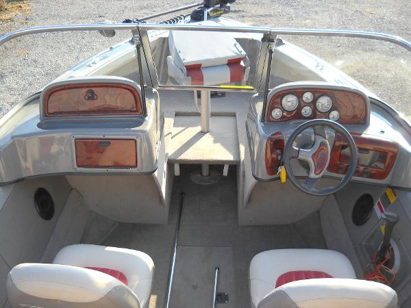 2004 Tracker Boats boat for sale, model of the boat is Targa 18 WT & Image # 19 of 26