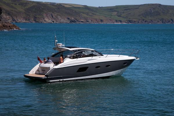 Manufacturer Provided Image: Princess V39 Stern
