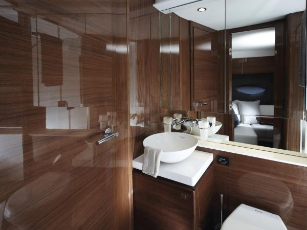 Manufacturer Provided Image: Princess V39 Bathroom