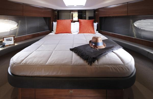 Manufacturer Provided Image: Princess V39 Owner's Cabin