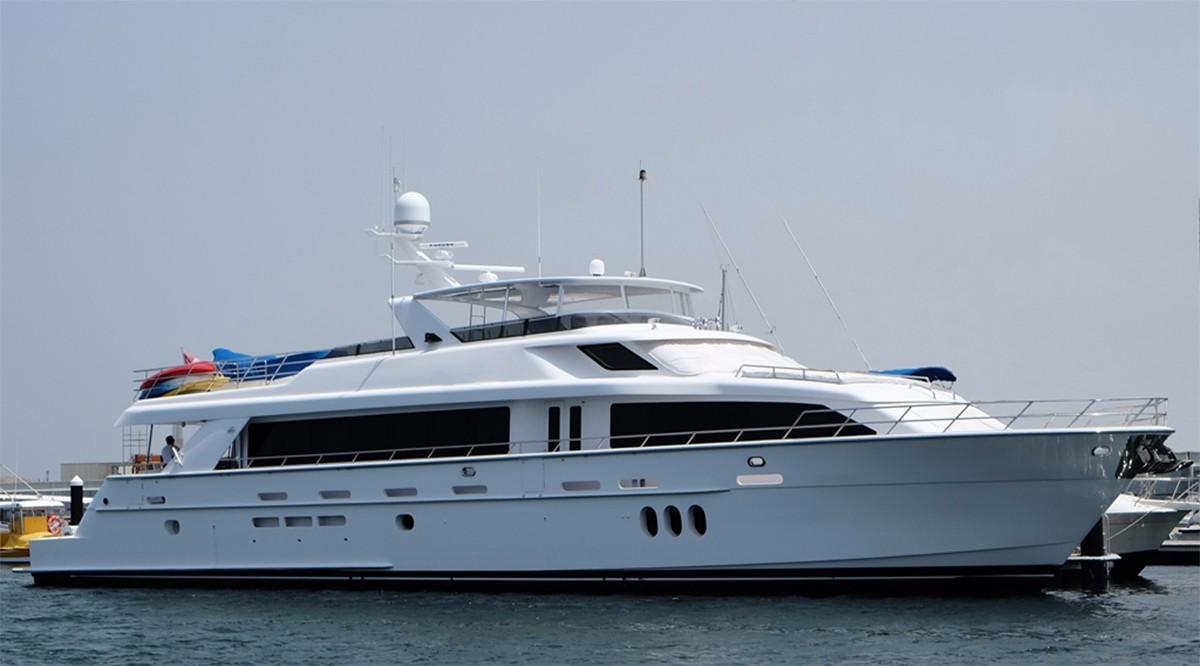 105 ft Hatteras 105 Motor Yacht