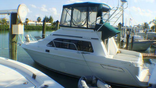 Mainship 31 Sedan Bridge Motor Yachts. Listing Number: M-3826337
