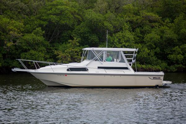 1989 31' Boston Whaler express