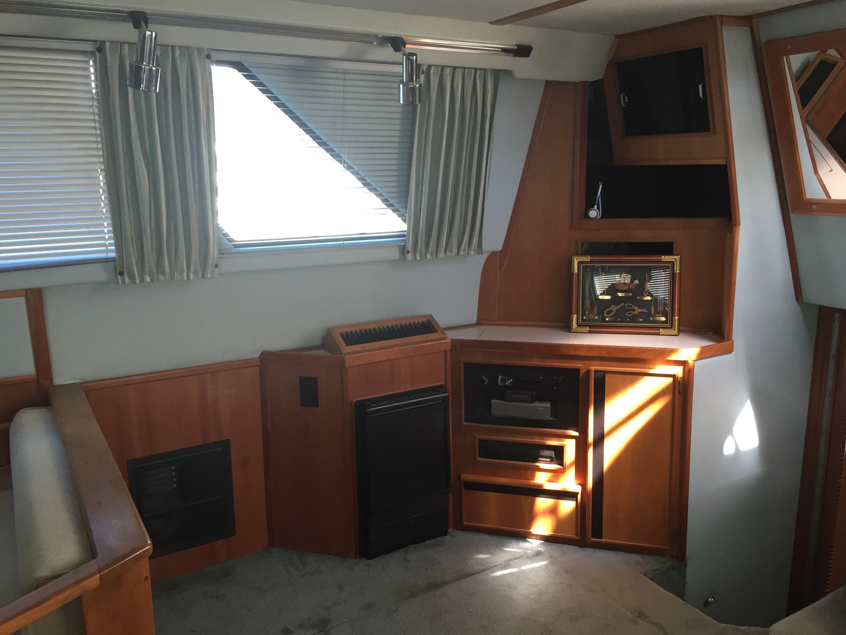 Sea Ray 440 Aft Cabin - Photo: #23